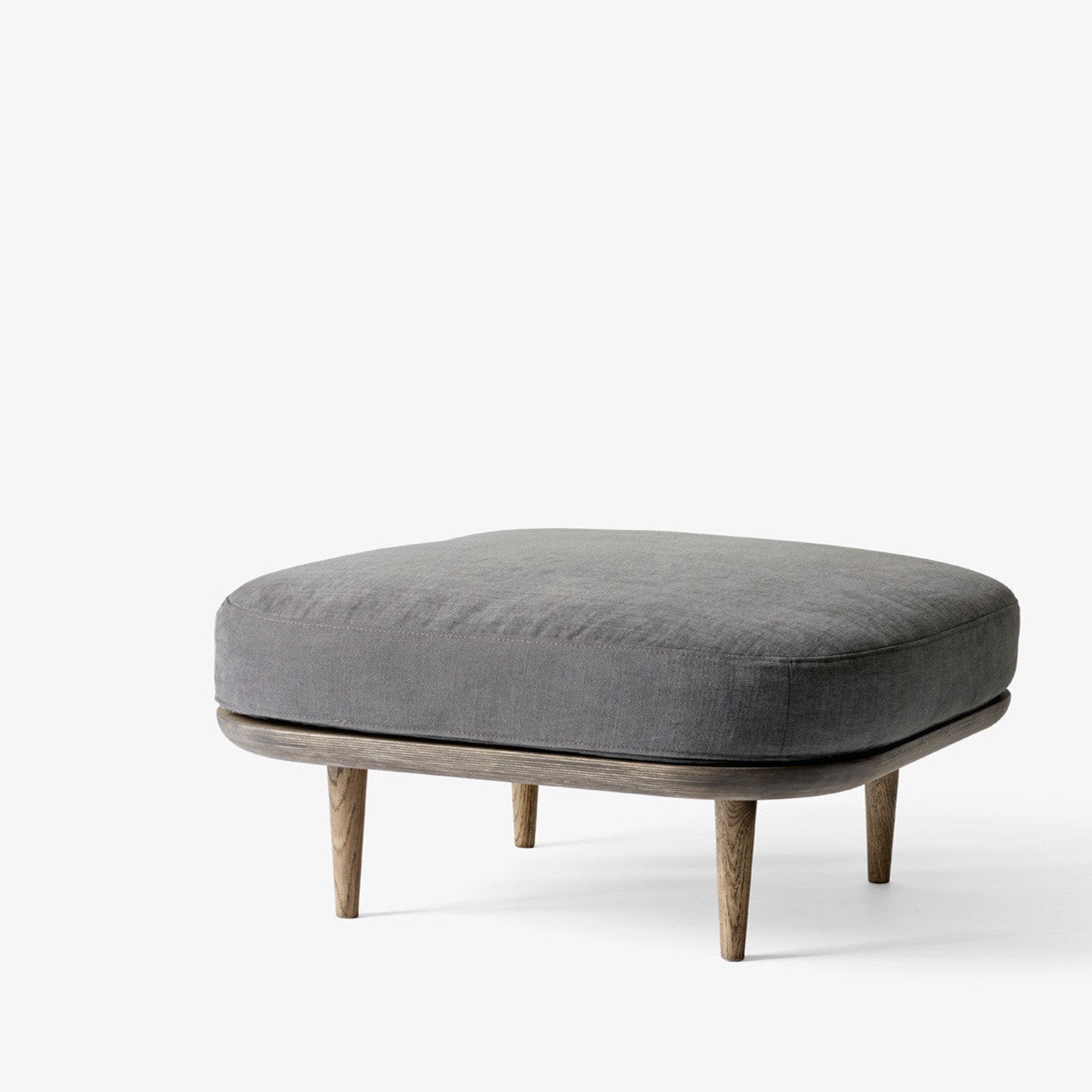 Fly Pouf SC9 by &Tradition