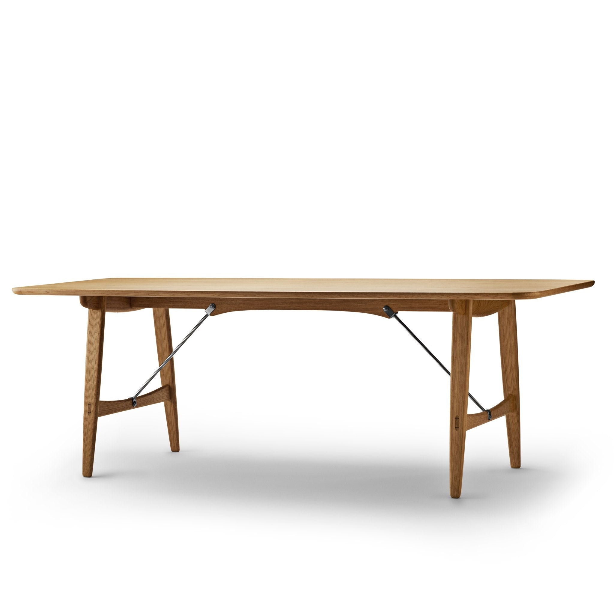 BM1160 Hunting Table by Carl Hansen & Søn