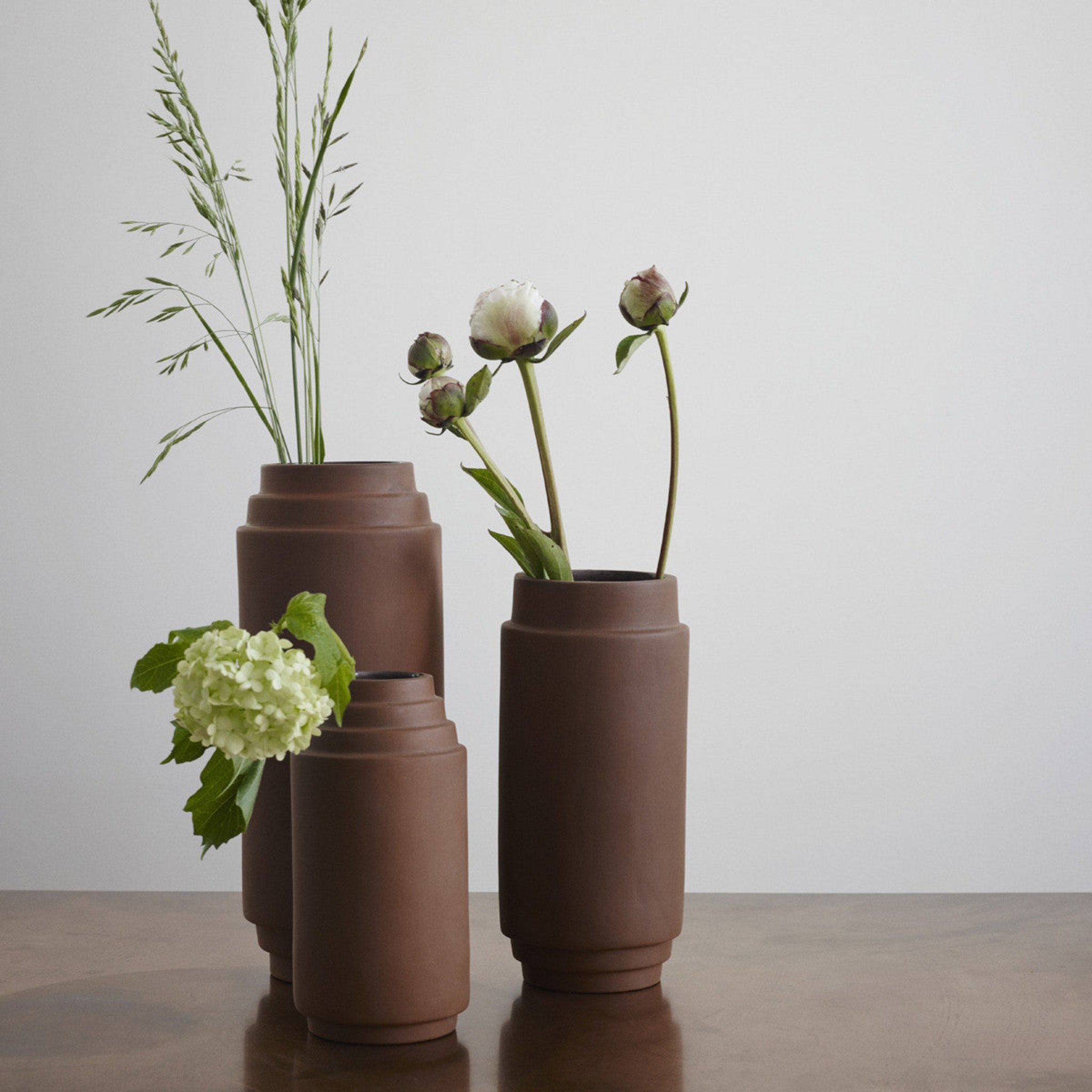 Edge Vase by Stilleben