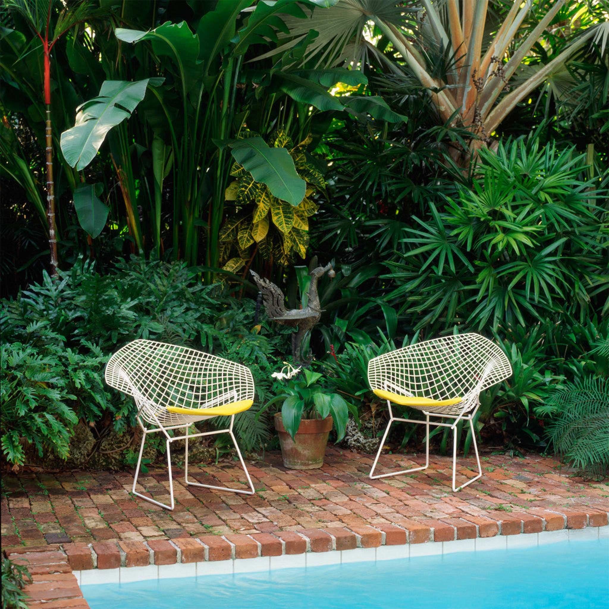 Diamond Outdoor Armchair by Knoll